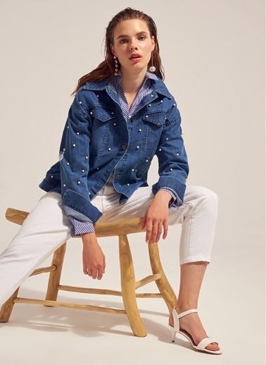 Monamoda İnci Detaylı Jean Ceket Mavi